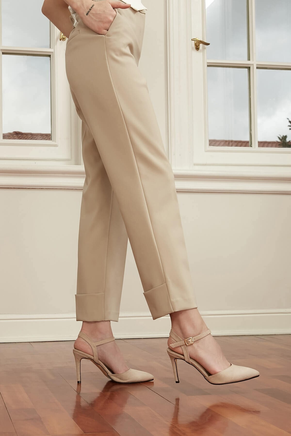 Mio Gusto Lucia Bej Bilek Bantlı Topuklu Ayakkabı 1