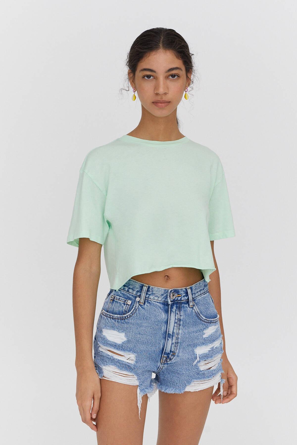Pull & Bear Kadın Yeşil Biyeli Dikişli Crop Fit T-shirt 1
