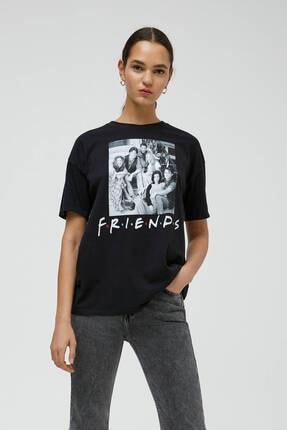 Pull & Bear Siyah Friends Görselli T-shirt