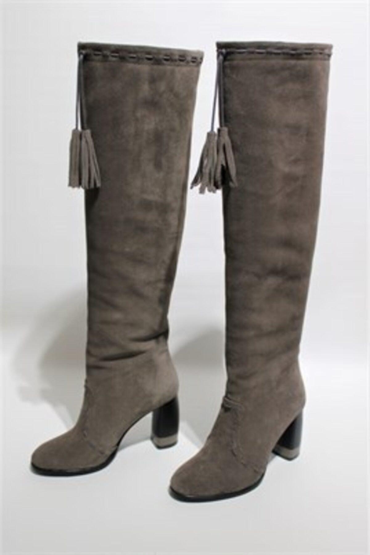 LIMERENCE AYAKKABI Kadın Füme Diz Üstü Püskül Detaylı Çizme 1