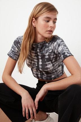 TRENDYOLMİLLA Antrasit Batik Desen Crop Örme Bluz TWOSS21BZ0599
