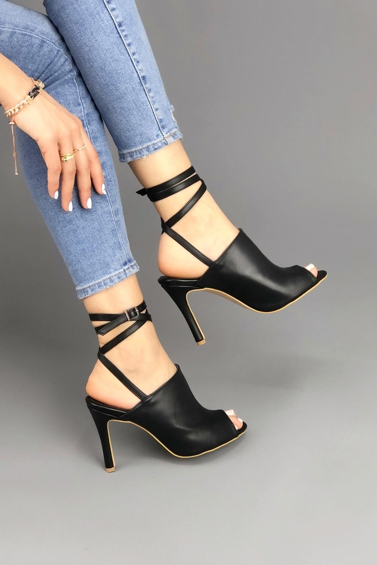 Ayakkabı Ateşi Kadın Siyah Cilt Bilekten Dolamalı Ayakkabı 1