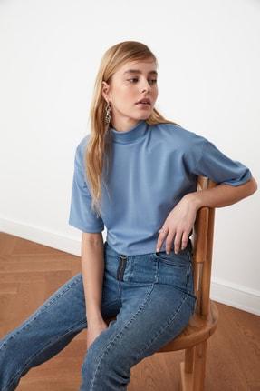 TRENDYOLMİLLA Mavi Dik Yaka Crop Örme Bluz TWOSS21BZ0140