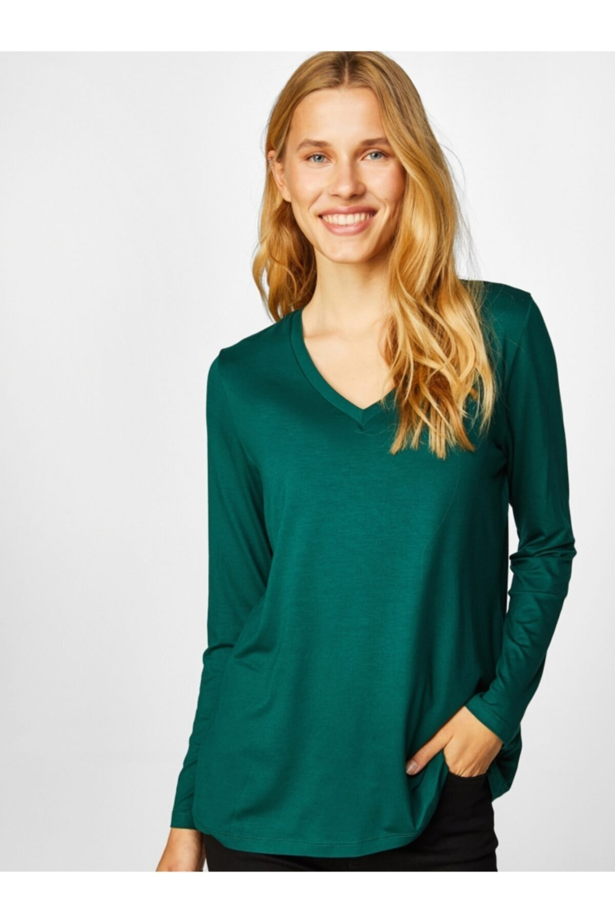 Faik Sönmez Kadın V Yaka Uzun Kol T-shirt 61022 1