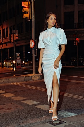 Modakapimda Beyaz Balon Kol Yırtmaçlı Nikah Elbise