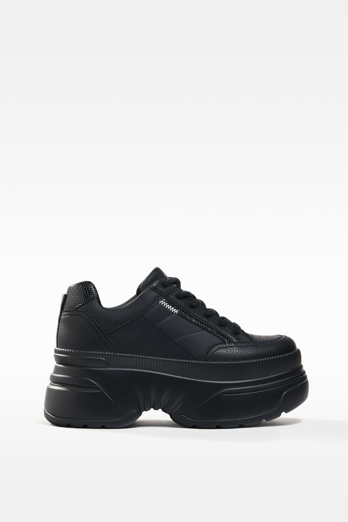 Bershka Kadın Siyah XL Platform Spor Ayakkabı 11506760 1