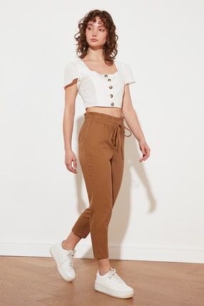 TRENDYOLMİLLA Camel Petite Bağlama Detaylı Pantolon TWOSS21PL0518