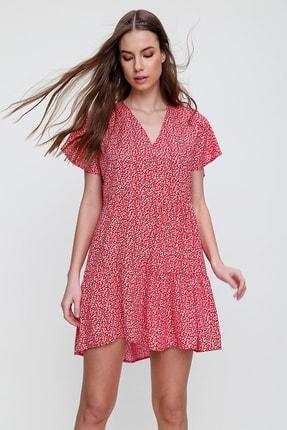 Trend Alaçatı Stili Kadın Kırmızı V Yaka Volanlı Çiçek Desenli Elbise ALC-X6124