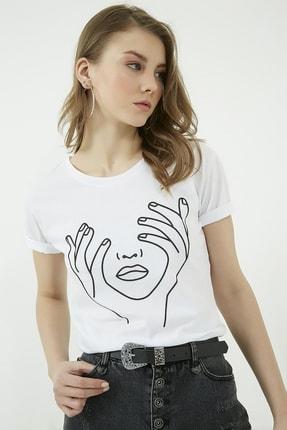 Vis a Vis Kadın Beyaz Bisiklet Yaka Baskılı Tshirt