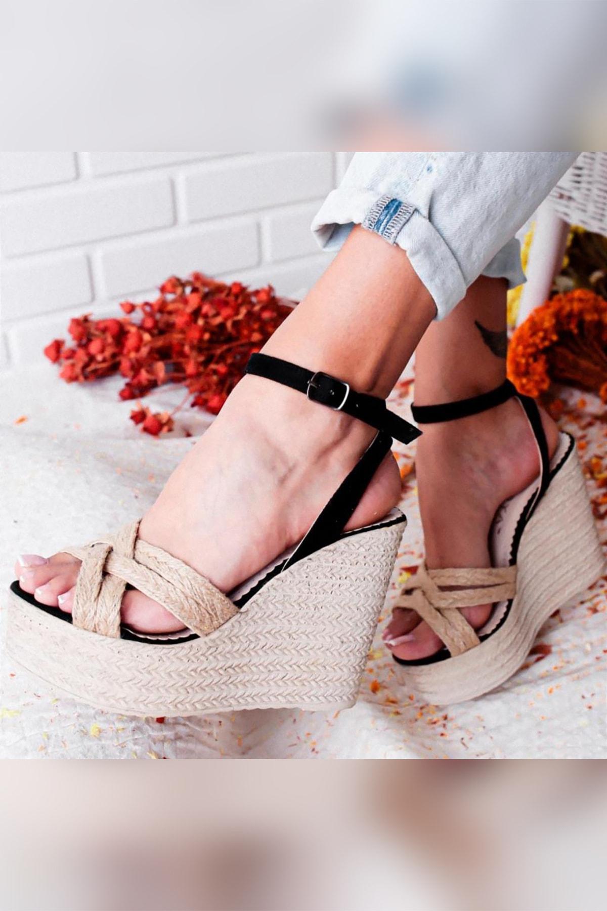 Limoya Camryn Siyah Keten / Hasır Yüksek Dolgu Topuklu Günlük Sandalet 1