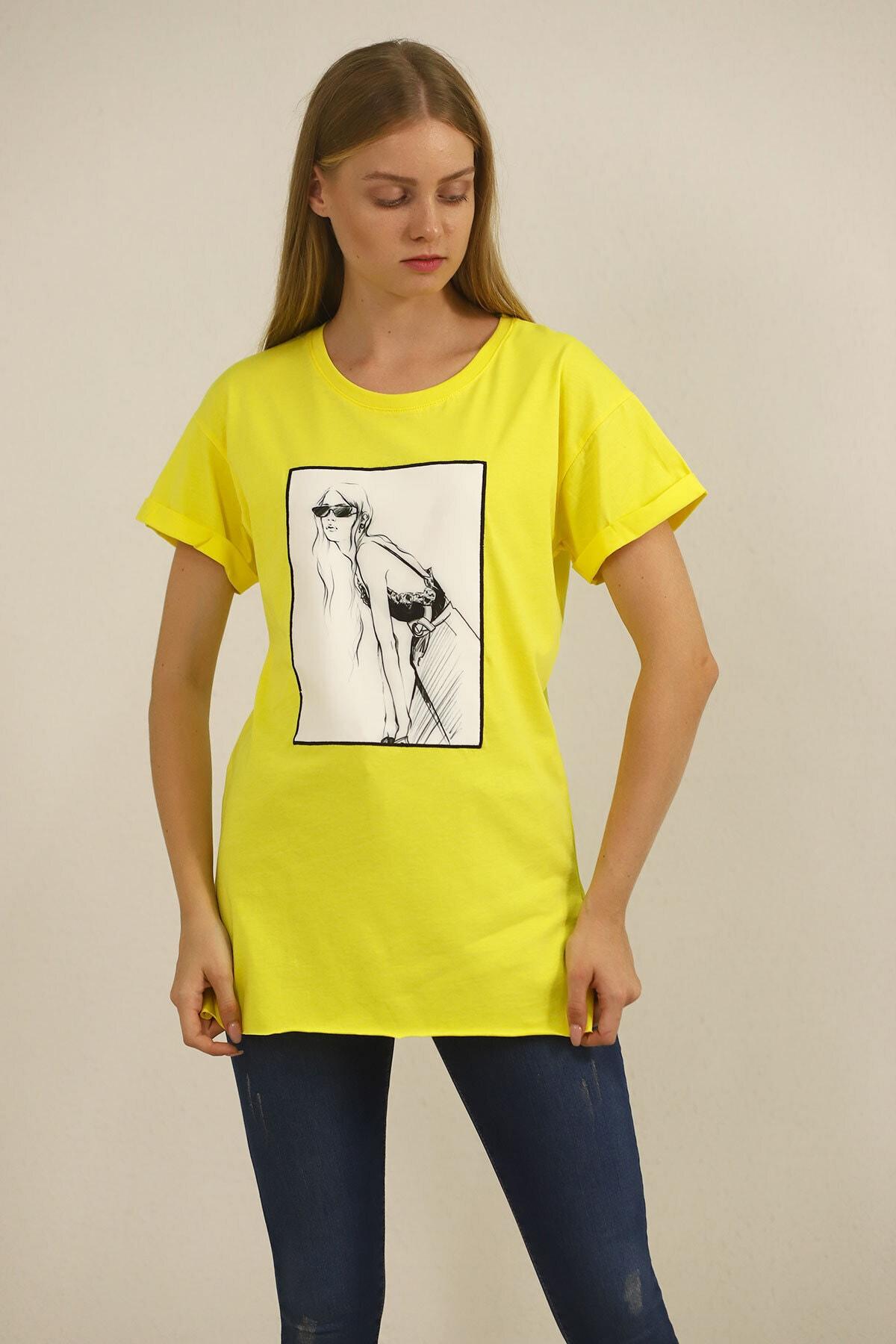 Carlamia Kadın Sarı Kız Baskılı T-shirt 2