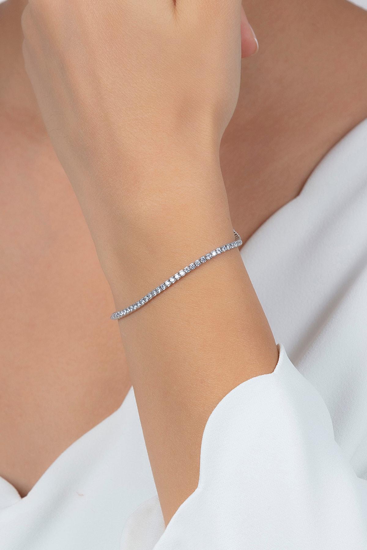 Ventino Silver Beyaz Zirkon Taşlı Su Yolu Kadın Gümüş Bileklik Vkb-6511 1