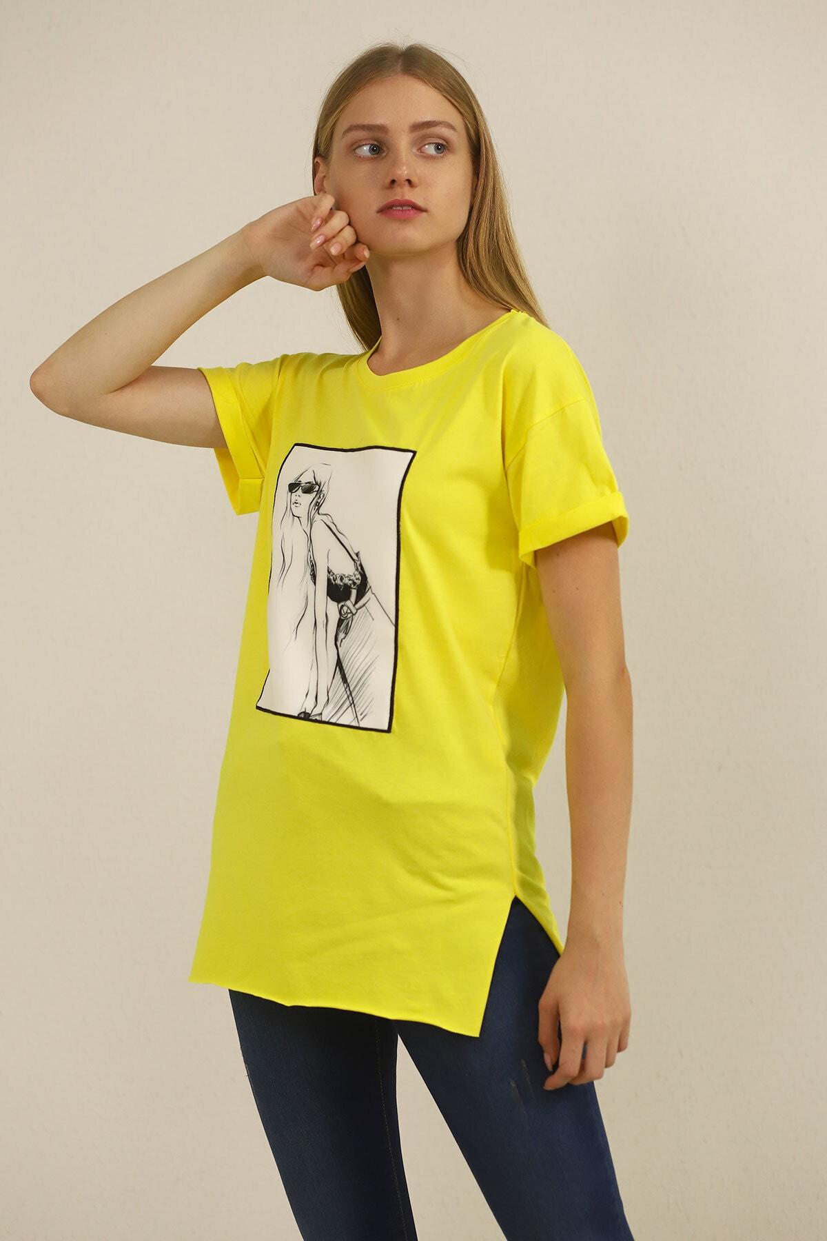 Carlamia Kadın Sarı Kız Baskılı T-shirt 1