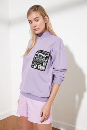 TRENDYOLMİLLA Lila Baskılı Örme Sweatshirt TWOSS21SW0073