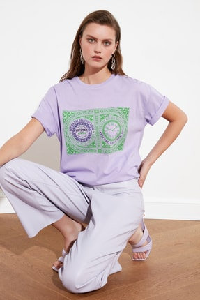 TRENDYOLMİLLA Lila Baskılı Boyfriend Örme T-Shirt TWOSS20TS1197
