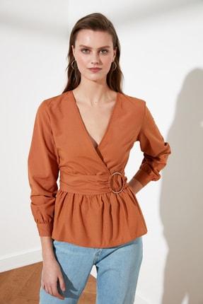 TRENDYOLMİLLA Açık Kahverengi Kemerli Bluz TWOSS21BZ0529