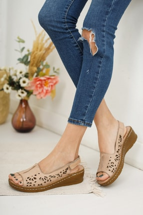 Deripabuc Hakiki Deri Bej Kadın Deri Sandalet Dp16-0602