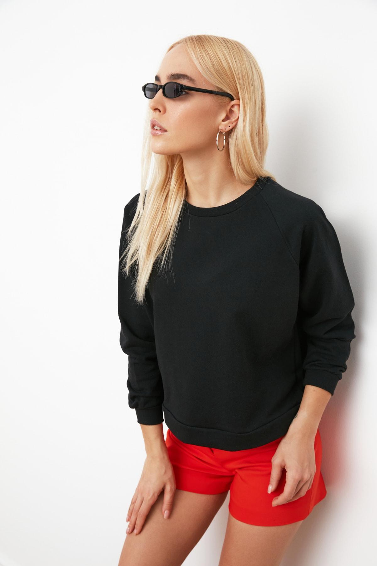 TRENDYOLMİLLA Siyah Reglan Kol Basic Örme Sweatshirt TWOAW20SW0055 1