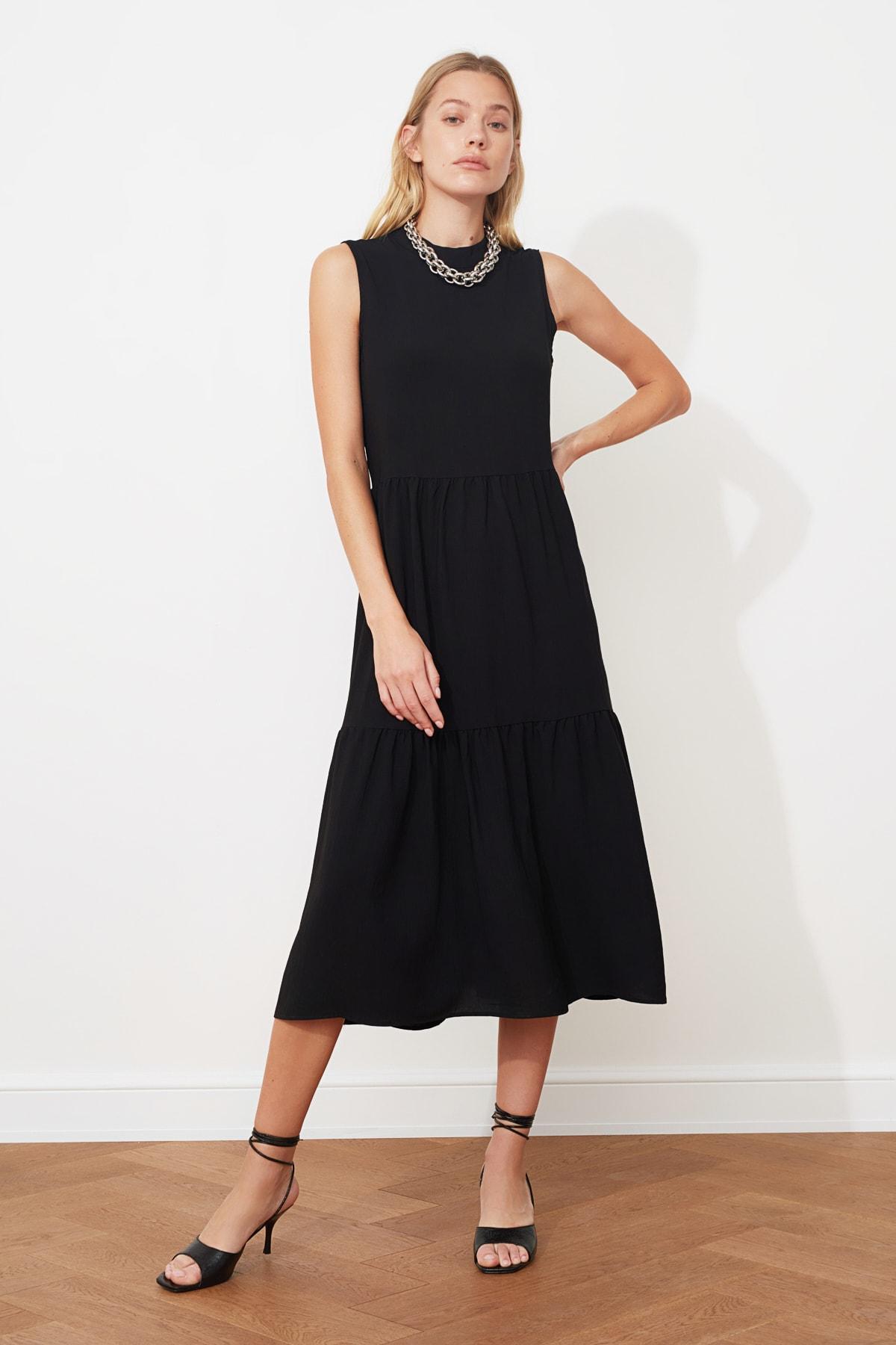 TRENDYOLMİLLA Siyah Geniş Kesim Elbise TWOSS20EL1864 1