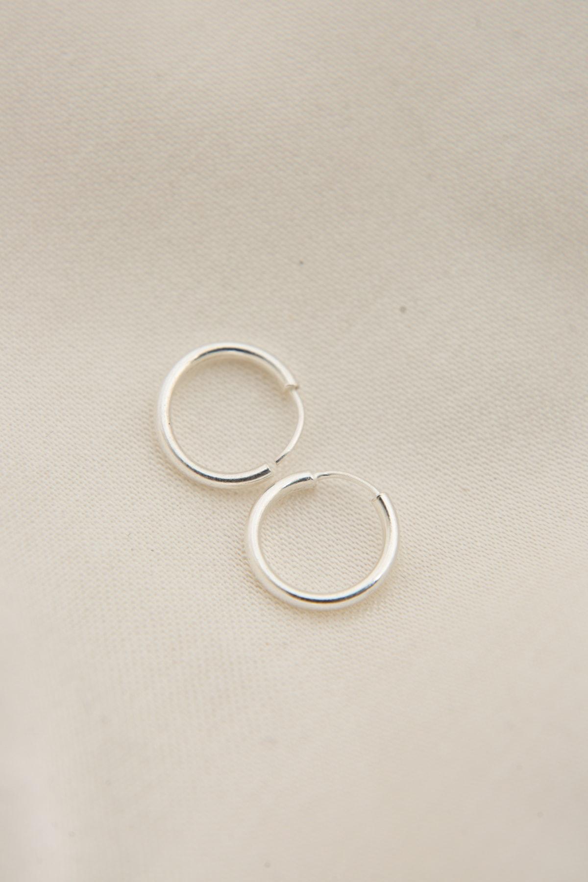 Elika Silver Kadın 925 Ayar Gümüş Minimal Küpe 1