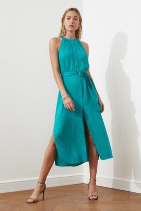 TRENDYOLMİLLA Zümrüt Yeşili Kuşaklı Gömlek Elbise TWOSS19XM0112