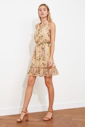 TRENDYOLMİLLA Çok Renkli Kuşaklı Desenli Elbise TWOSS20EL2259