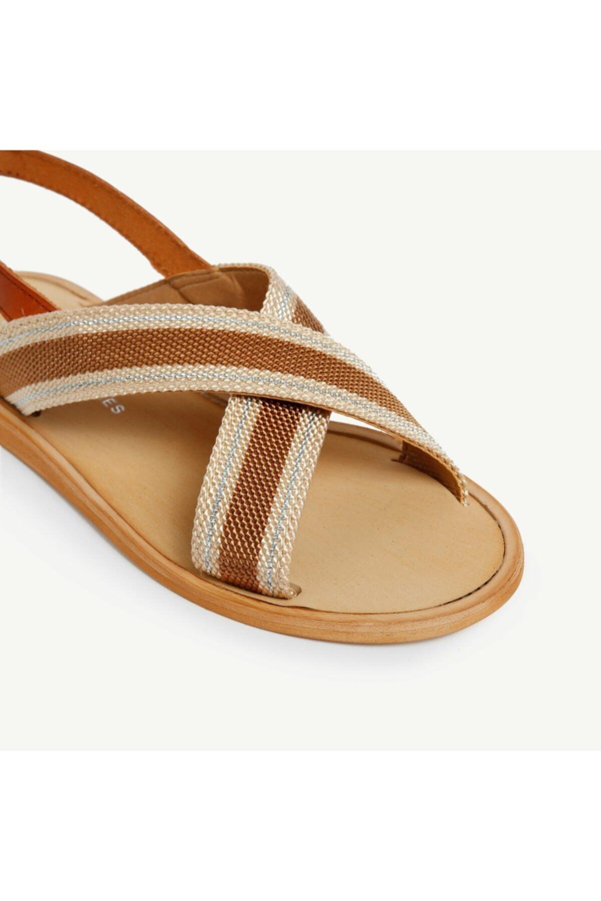 Yargıcı Kadın Taba Deri Detaylı Sandalet 9YKAY4091X 2