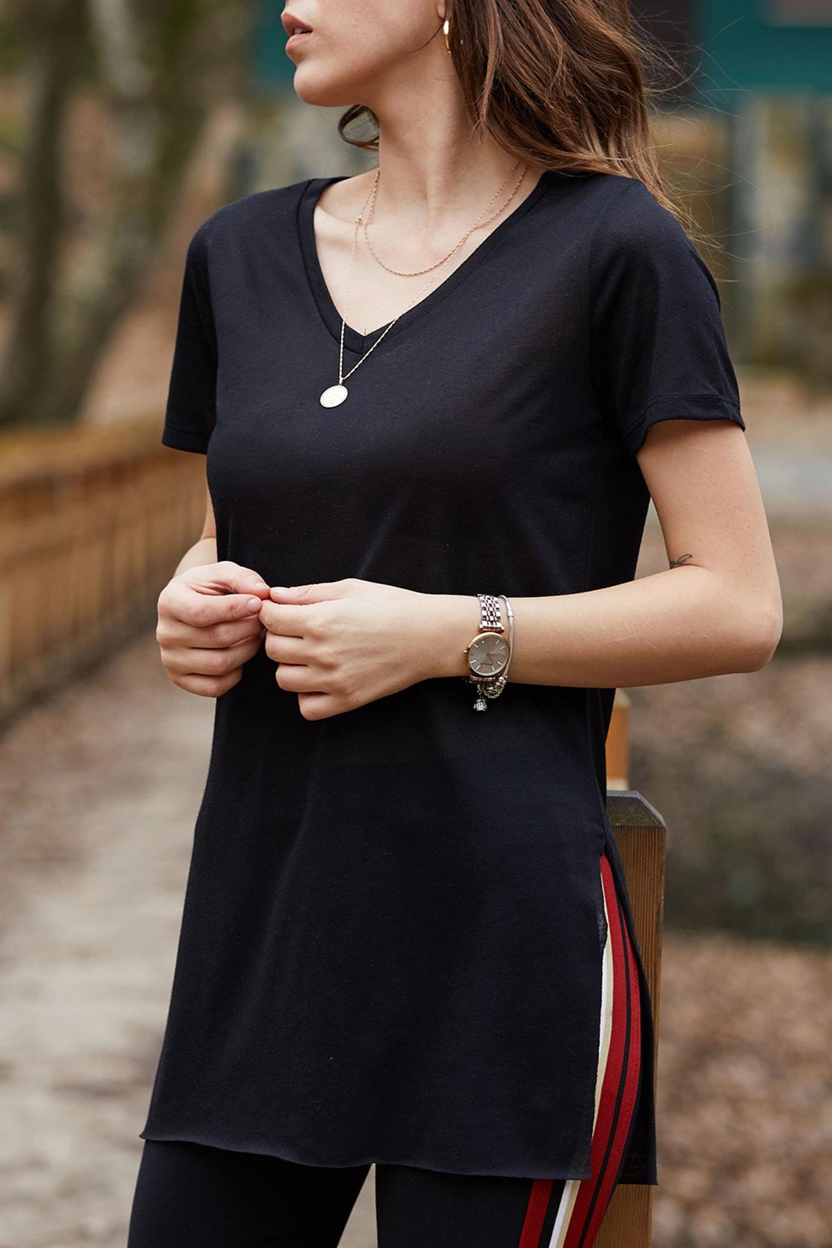 XHAN Kadın Siyah V Yaka Yırtmaçlı Basic T-shirt 9KXK1-42903-02 1