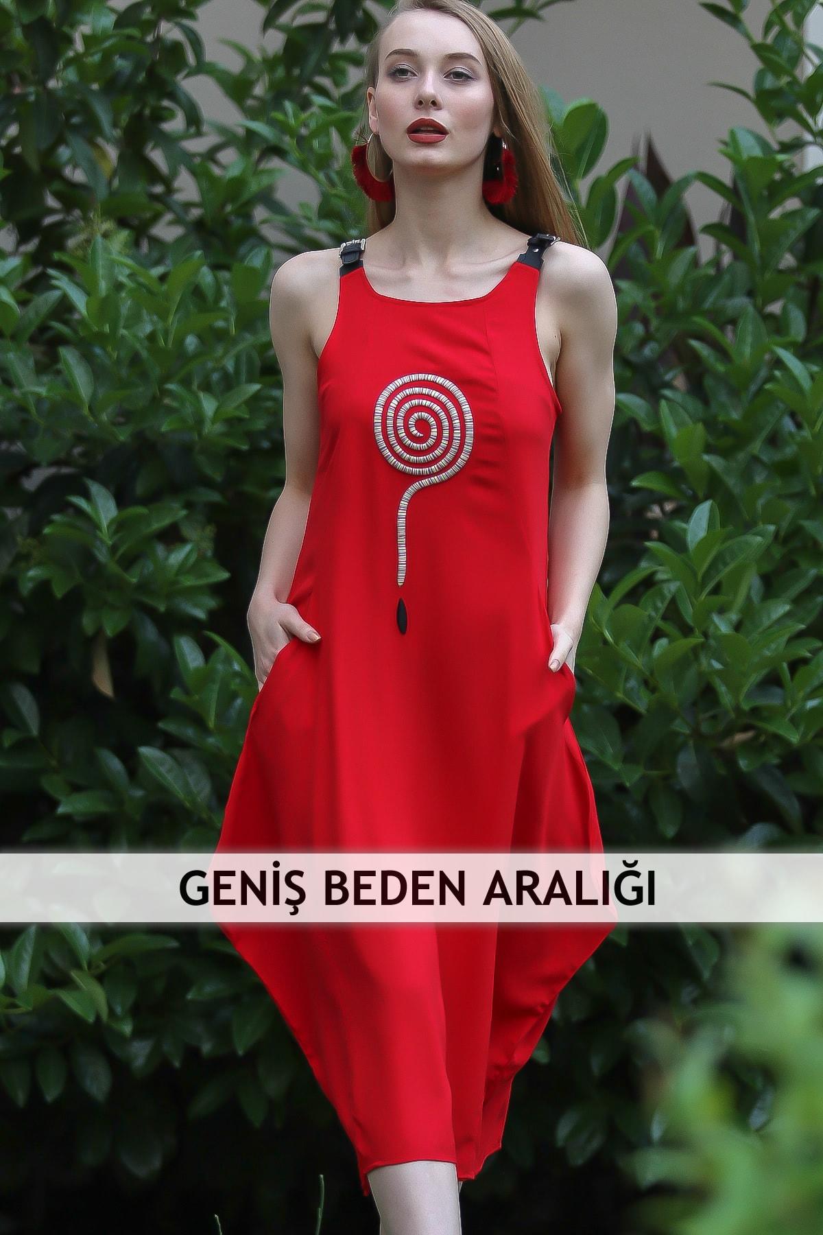 Chiccy Kadın Kırmızı Bohem Deri Askılı Dev Soru İşareti Nakışlı Asimetrik Cepli Elbise M10160000EL96810