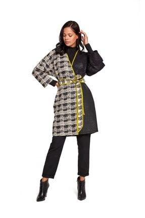 Mizalle Kadın Siyah/Beyaz Tasarım Renkli Uzun Kimono 19KGMZL1019005