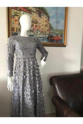 Sude Kemer Detaylı Gri Renk Şık Tesettür Bayan Abiye Elbise