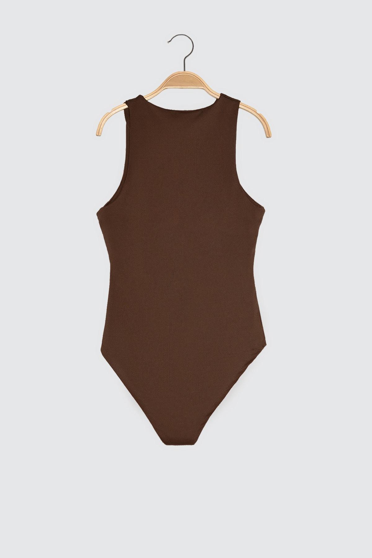 TRENDYOLMİLLA Koyu Kahverengi Çıtçıtlı Kahverengi Örme Body TWOSS20BD0044 2