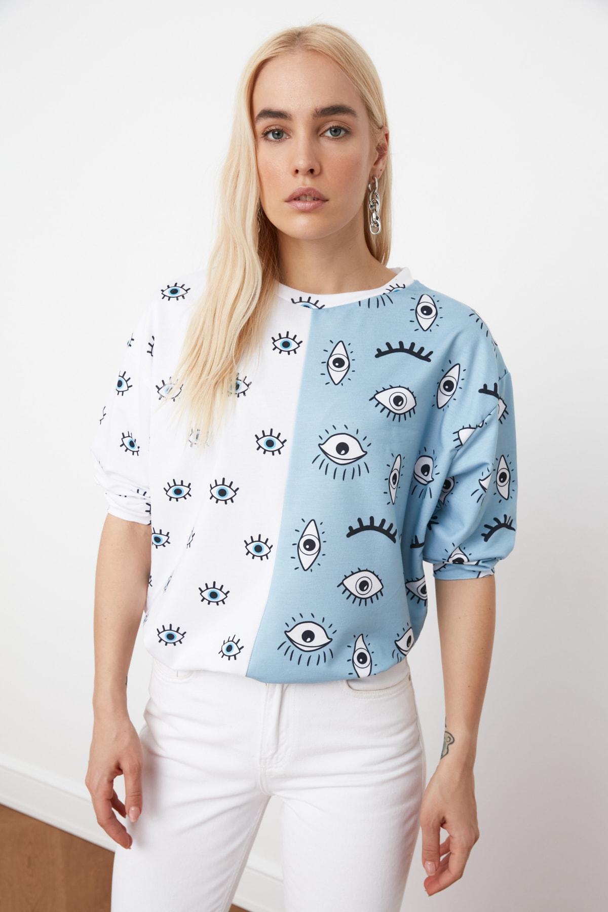 TRENDYOLMİLLA Mavi Renk Bloklu Baskılı Örme Sweatshirt TWOAW21SW1251 1