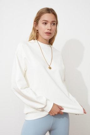 TRENDYOLMİLLA Ekru Dik Yaka Basic Örme Sweatshirt TWOSS21SW0056