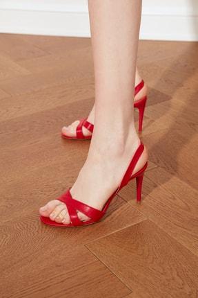 TRENDYOLMİLLA Kırmızı Kadın Klasik Topuklu Ayakkabı TAKSS21TO0059