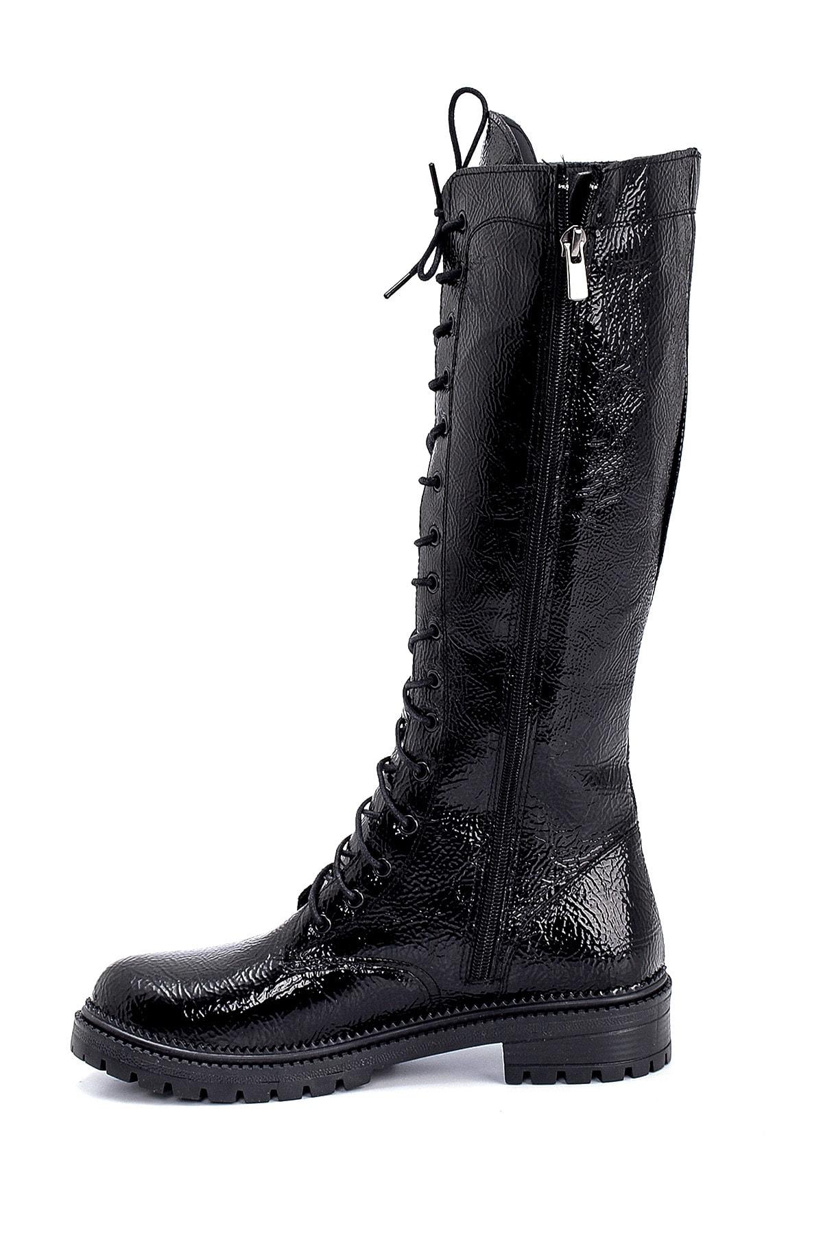Derimod Kadın Siyah Kırışık Rugan Bağcıklı Çizme 2
