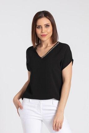 Jument Kadın Siyah V Yaka Yakası Aksesuarlı Düşük Omuz T-Shirt