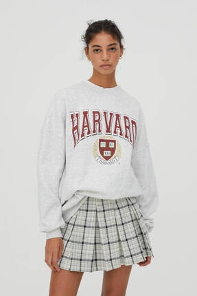 Pull & Bear Kadın Gri Harvard Sloganlı Sweatshirt