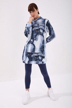 Tommy Life Kadın İndigo Yazı Detaylı Batik Desenli Kapüşonlu  Sweatshirt