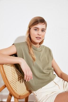 TRENDYOLMİLLA Haki Kolsuz Basic Örme T-Shirt TWOSS20TS0021