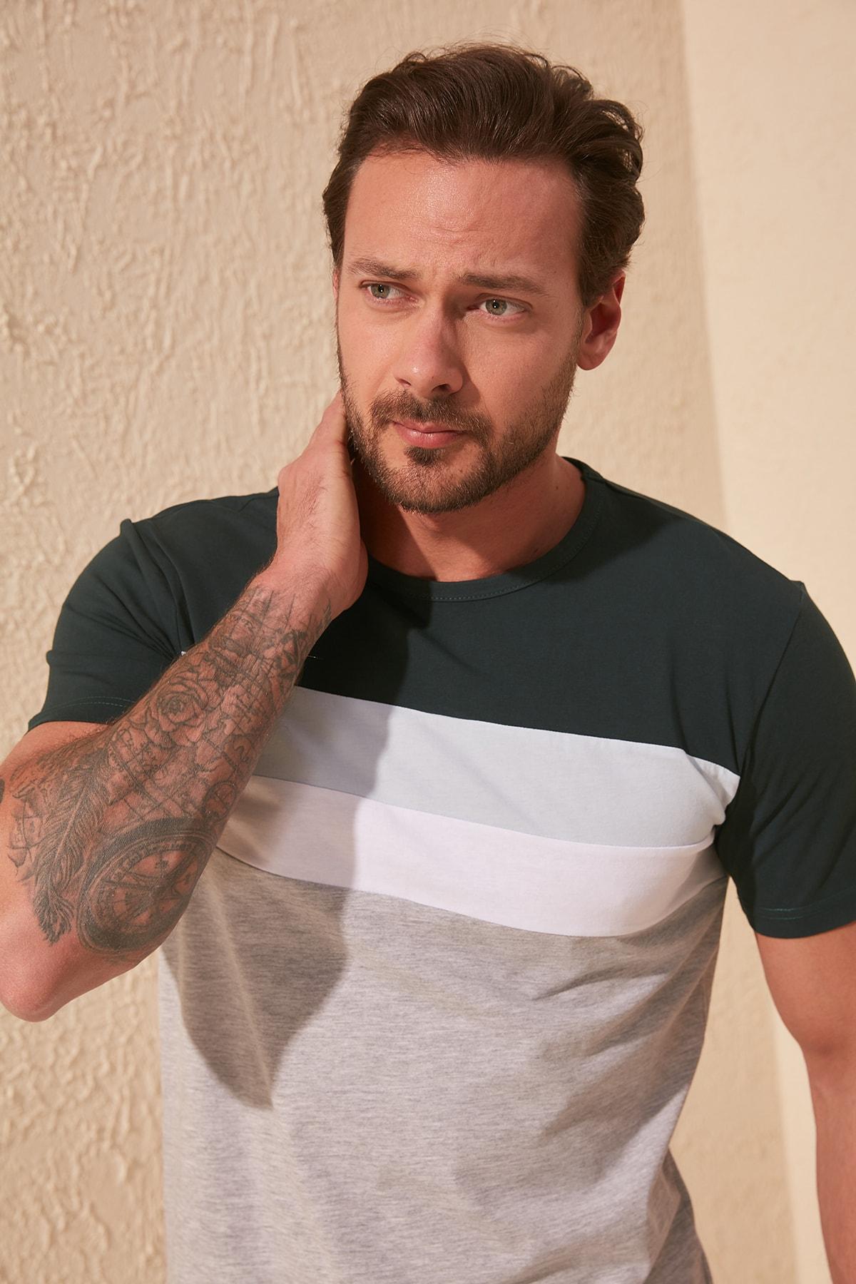TRENDYOL MAN Zümrüt Yeşili Erkek Çizgili Slim Fit T-Shirt TMNSS20TS0166 2