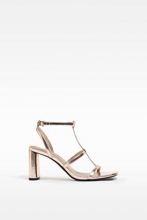 Bershka Kadın Altın Metalik Topuklu Ince Bantlı Sandalet
