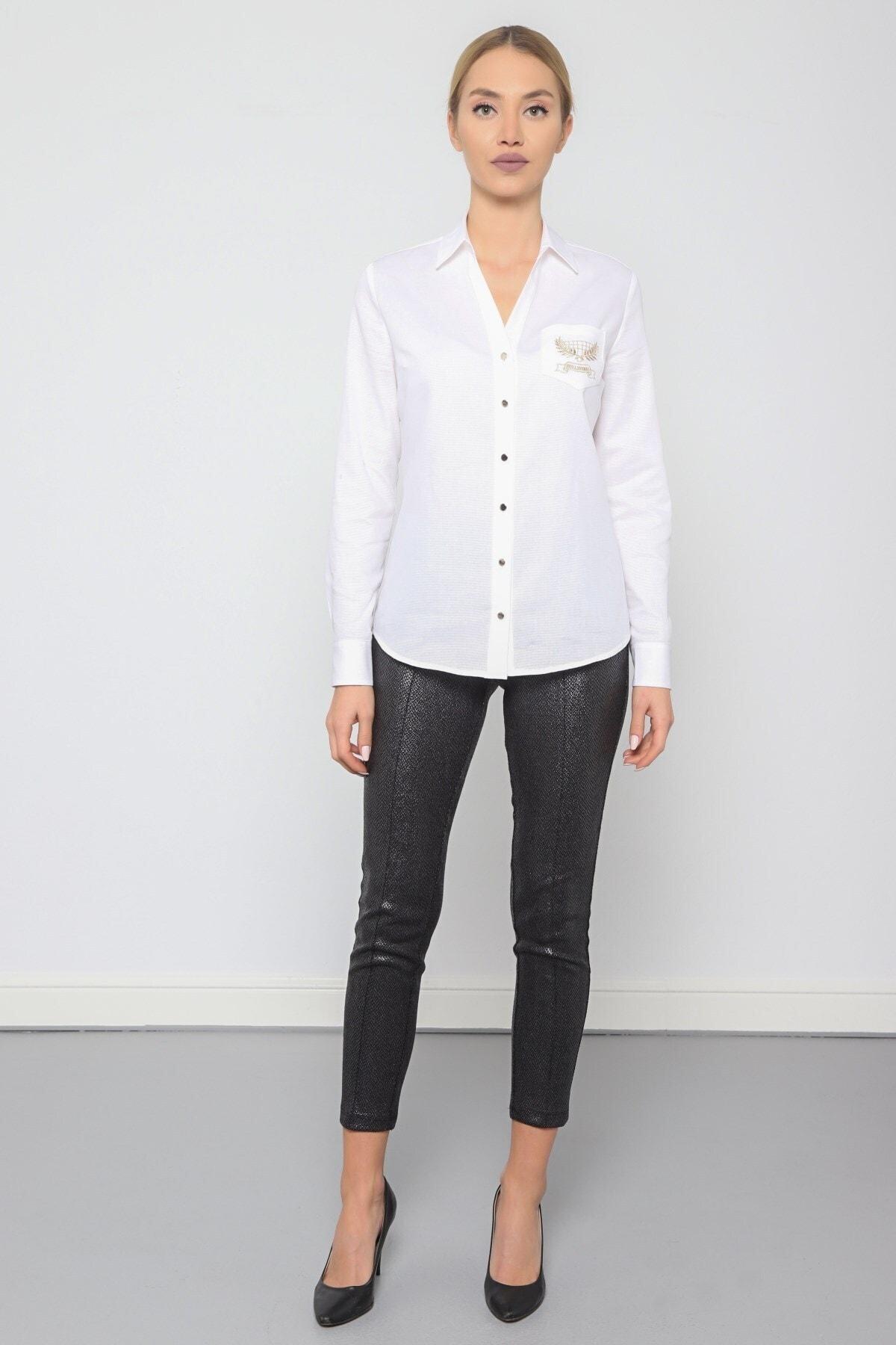 Journey Kadın Beyaz Polo Yaka V Görünümlü Cep Nakış Detaylı Gömlek 1