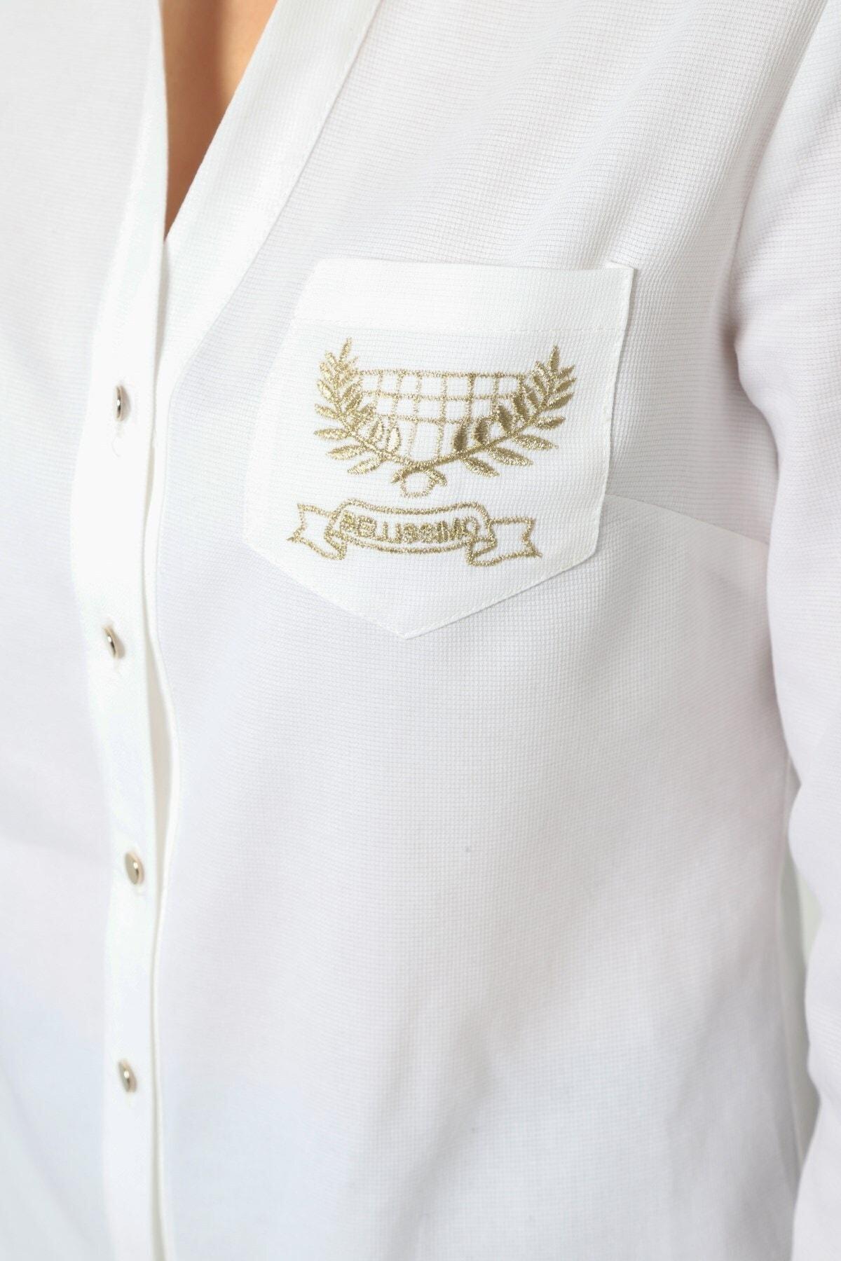 Journey Kadın Beyaz Polo Yaka V Görünümlü Cep Nakış Detaylı Gömlek 2