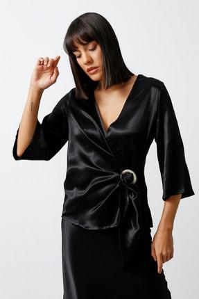 Gusto Anvelop Kesim Tokalı Saten Dokulu Viskon Bluz - Siyah