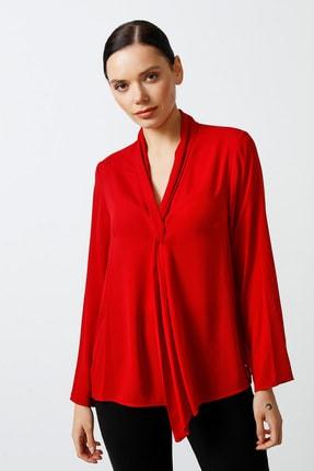 Gusto Şal Yakalı Önü Yırtmaçlı Uzun Kollu Krep Dokulu Bluz - Kırmızı
