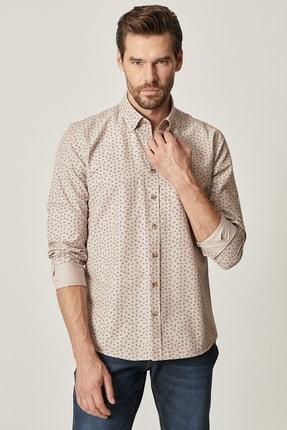 AC&Co / Altınyıldız Classics Erkek Bej Tailored Slim Fit Düğmeli Yaka Baskılı Gömlek