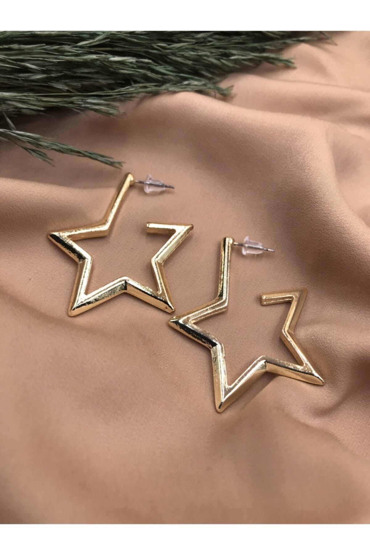 Eylülün Takısı Gold Renkli Yıldız Model Vintage Küpe 1