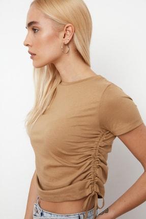TRENDYOLMİLLA Camel Büzgülü Basic Örme T-Shirt TWOSS21TS0131