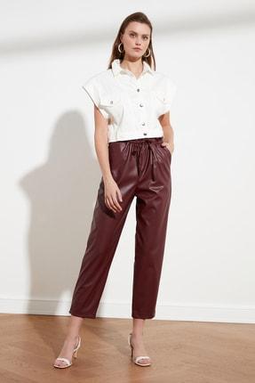 TRENDYOLMİLLA Bordo Suni Deri Kesekağıdı Bel Detaylı Pantolon TWOSS21PL0524
